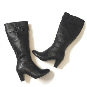 Shoes - Comfortable tall boots Sz 6